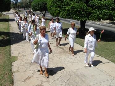20110910194342-marcha-damas-de-blanco-4-de-abril.jpg